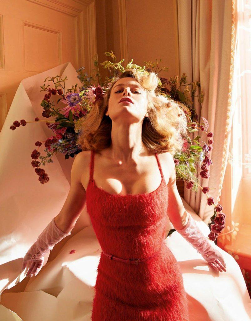 Brie Larson Sexy Pics (1)