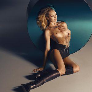 Candice Swanepoel   CelebrityRevealer 39