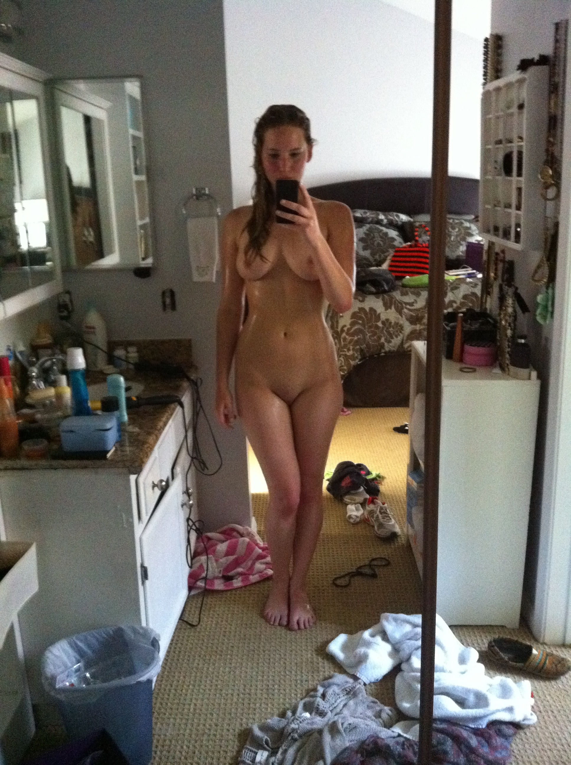 Jennifer Lawrence nude fappening pics (3)