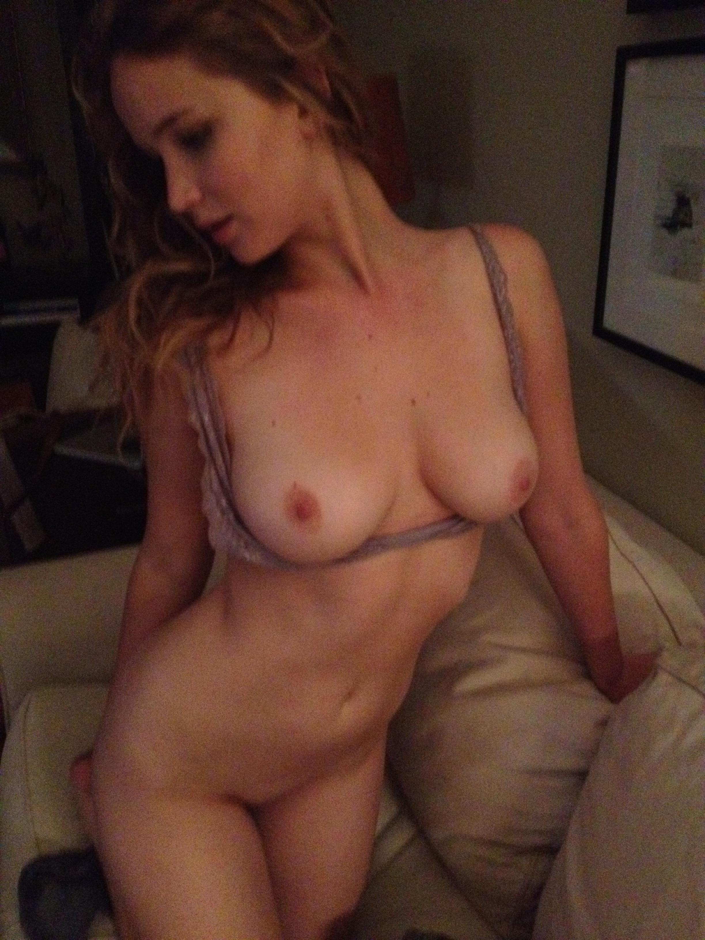 Jennifer Lawrence nude fappening pics (72)