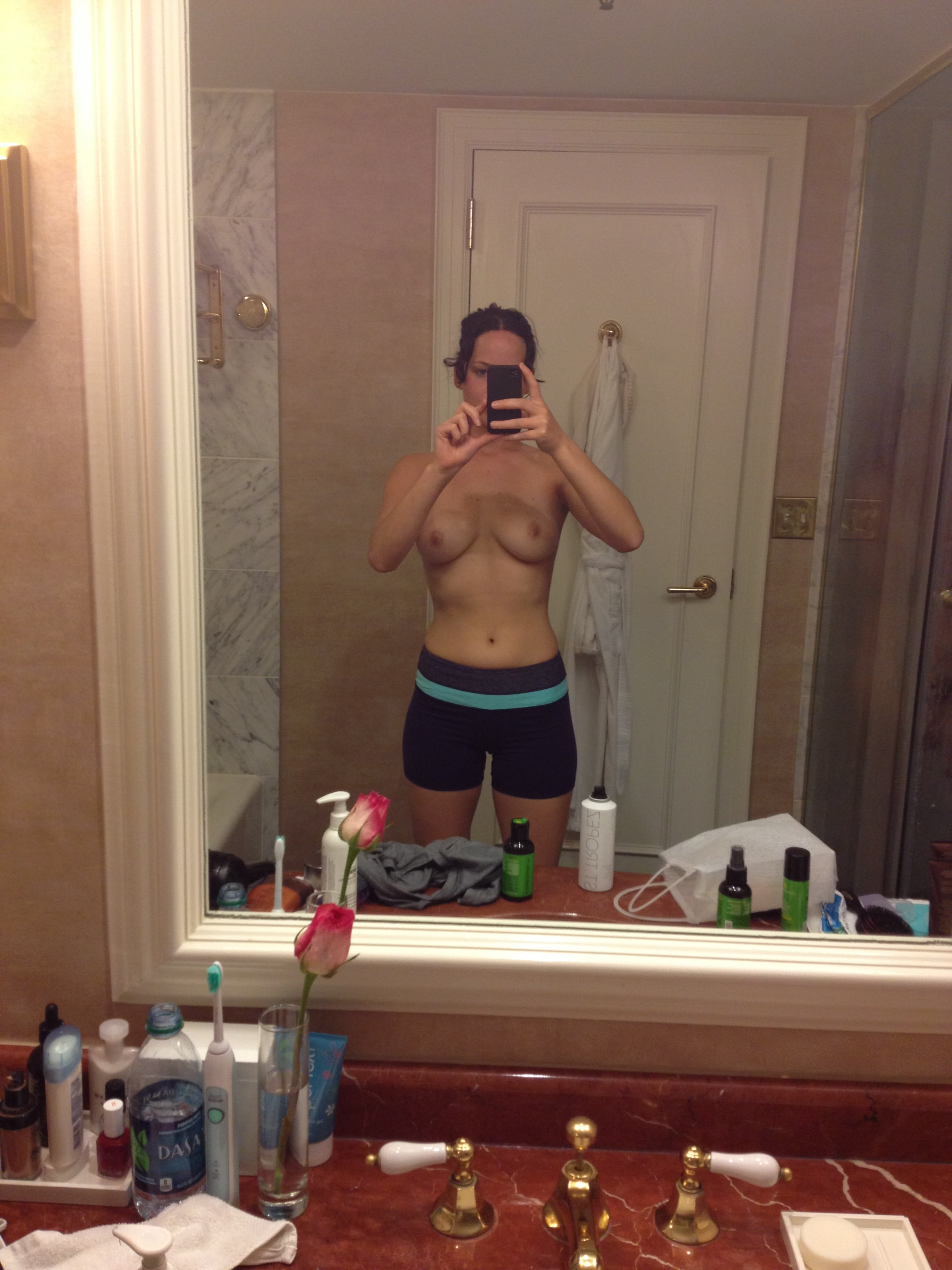 Jennifer Lawrence nude fappening pics (9)