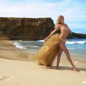 Kate Upton Modeling naked (1)