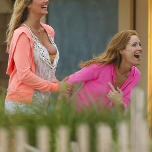 leslie mann and kate upton big tits