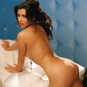 kim kardashian totally bare and sticking her booty out
