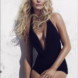 Kirsten Dunst Sexy Pics (1)