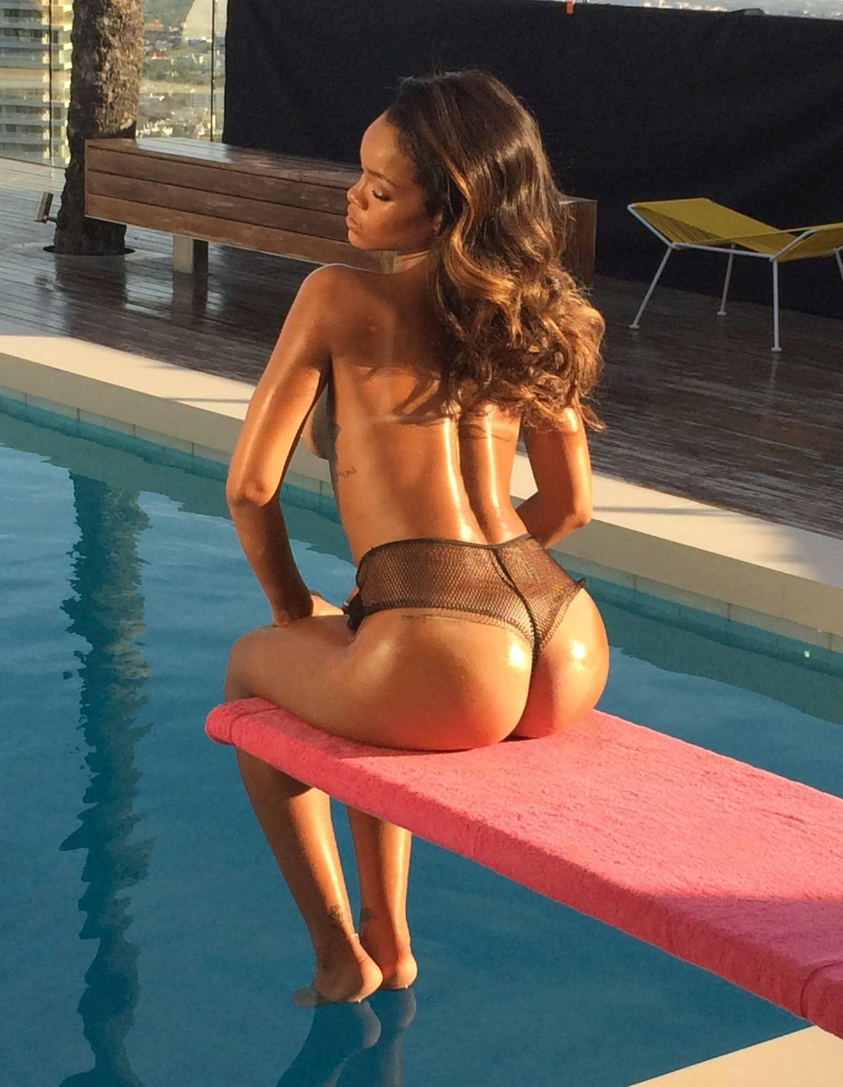 Rihanna ass and tits