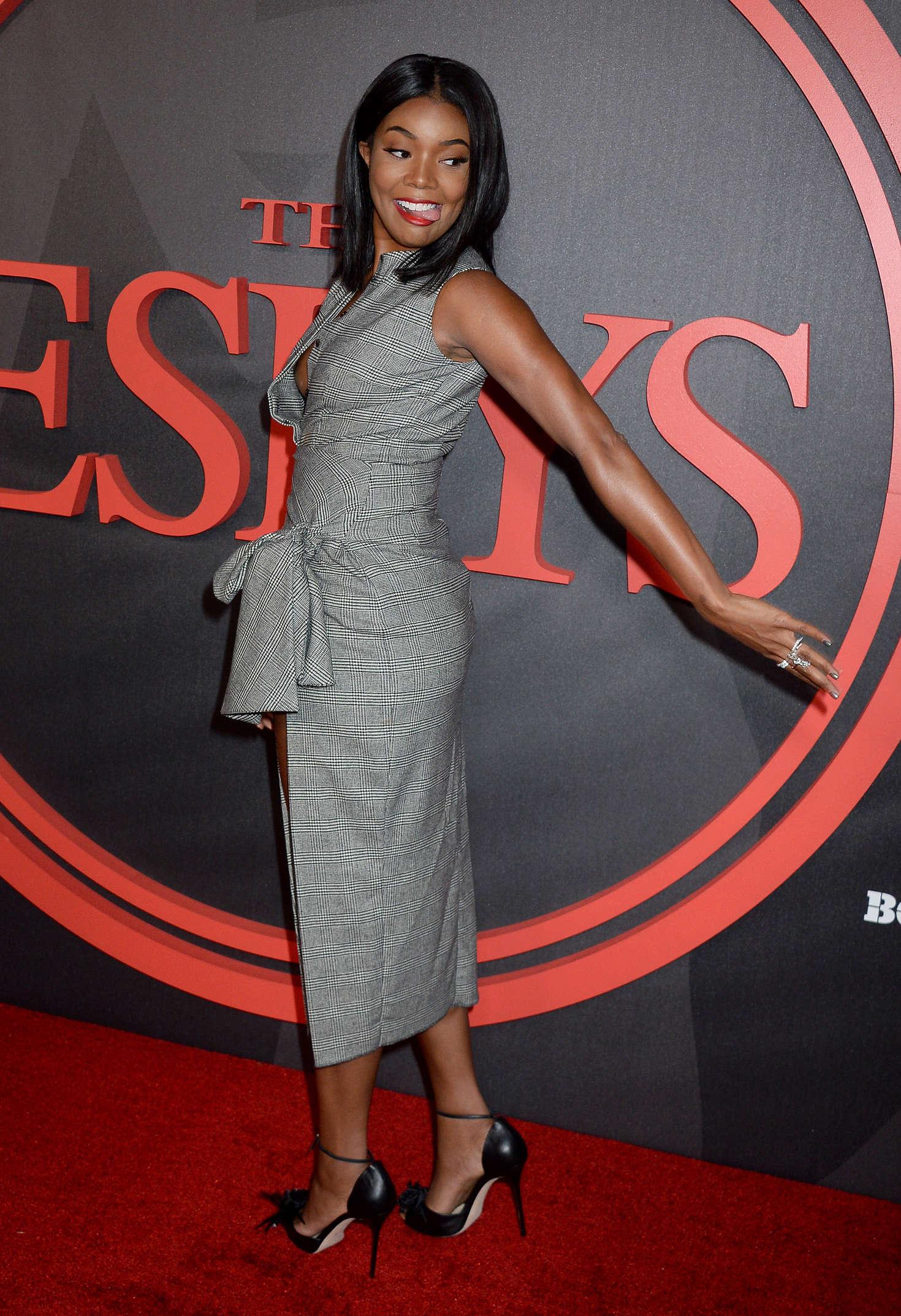 Gabrielle Union Nip-slip (1)