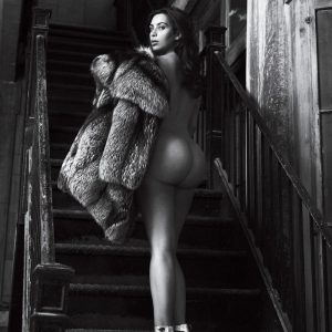 gq magazine kim kardashian pic of her ass going up stairs