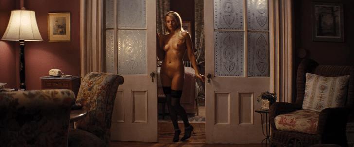 Margot Robbie Nude by doorway (2)