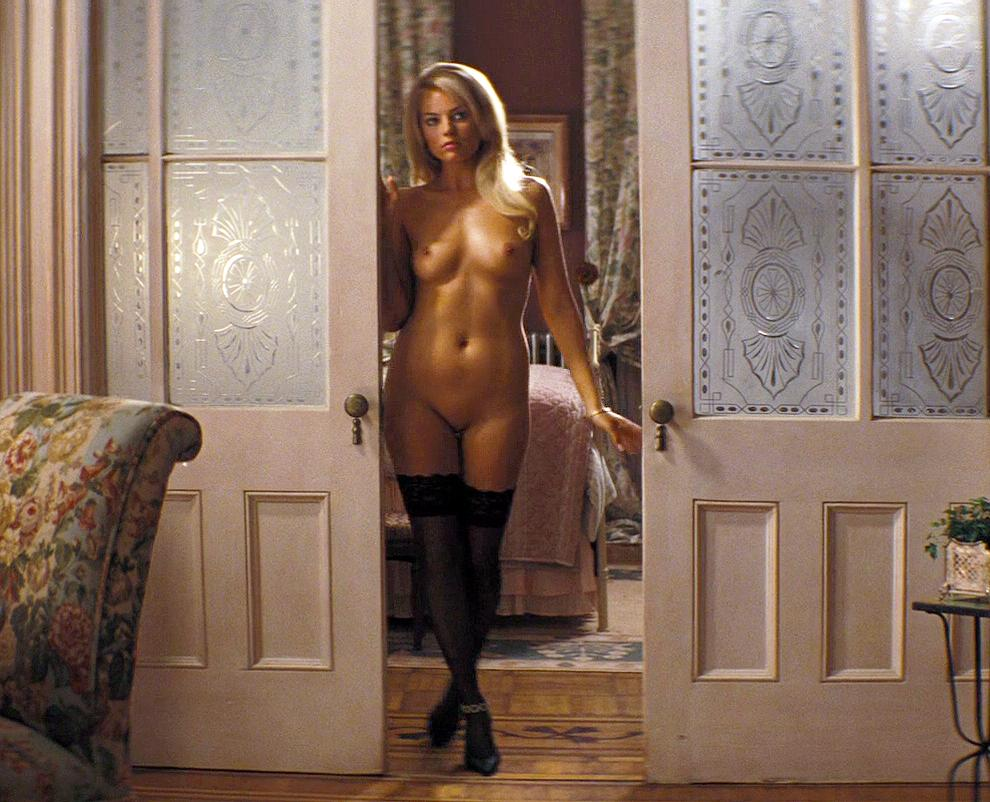 Margot Robbie nude pussy in Wolf of Wall Street