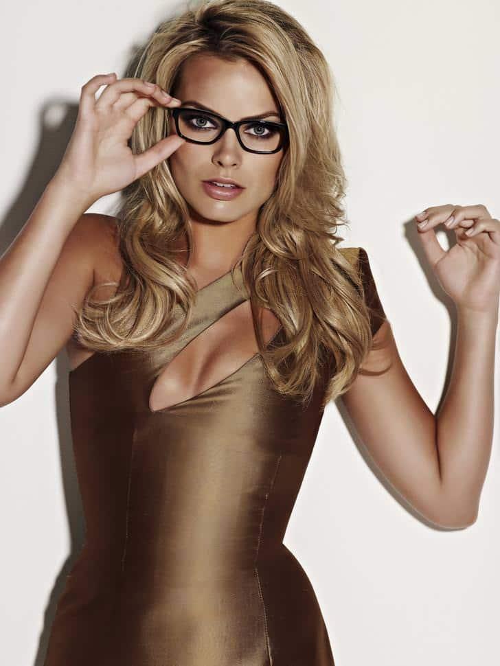 Margot Robbie sexy as fuck