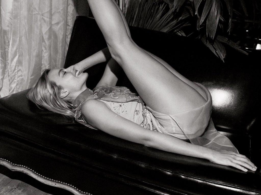 Margot Robbie xxx position