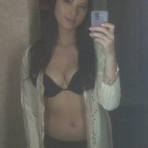 leaked mirror selfie pic of olivia munn