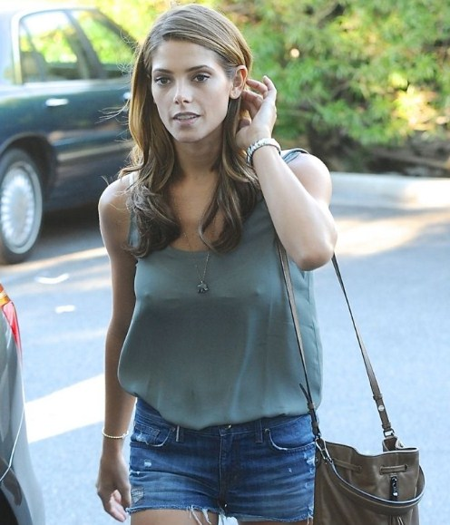 Ashley Greene braless pokies (2)