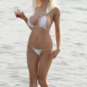 Courtney Stodden white bikini drunk
