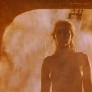 totally nude emilia clarke in game of thrones fire scene
