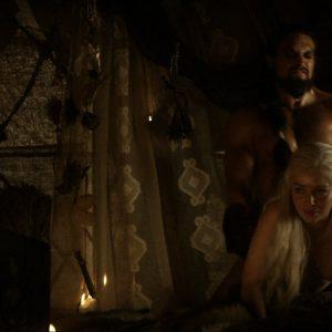 topless emilia clarke in game of thrones