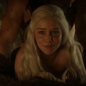 sex scene of emilia clarke in game of thrones