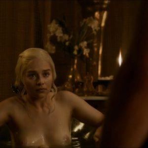 english actress emilia clarke tits exposed