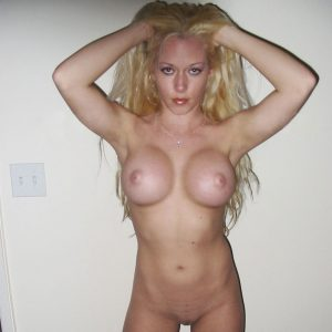 totally naked pic of kendra showing off her tits and pussy