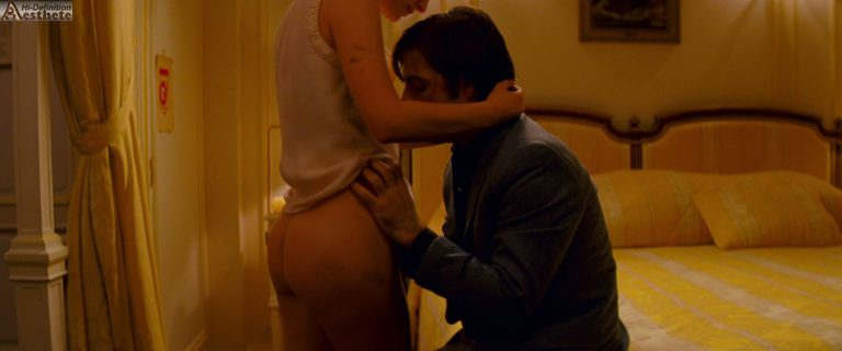 Natalie Portman bare ass