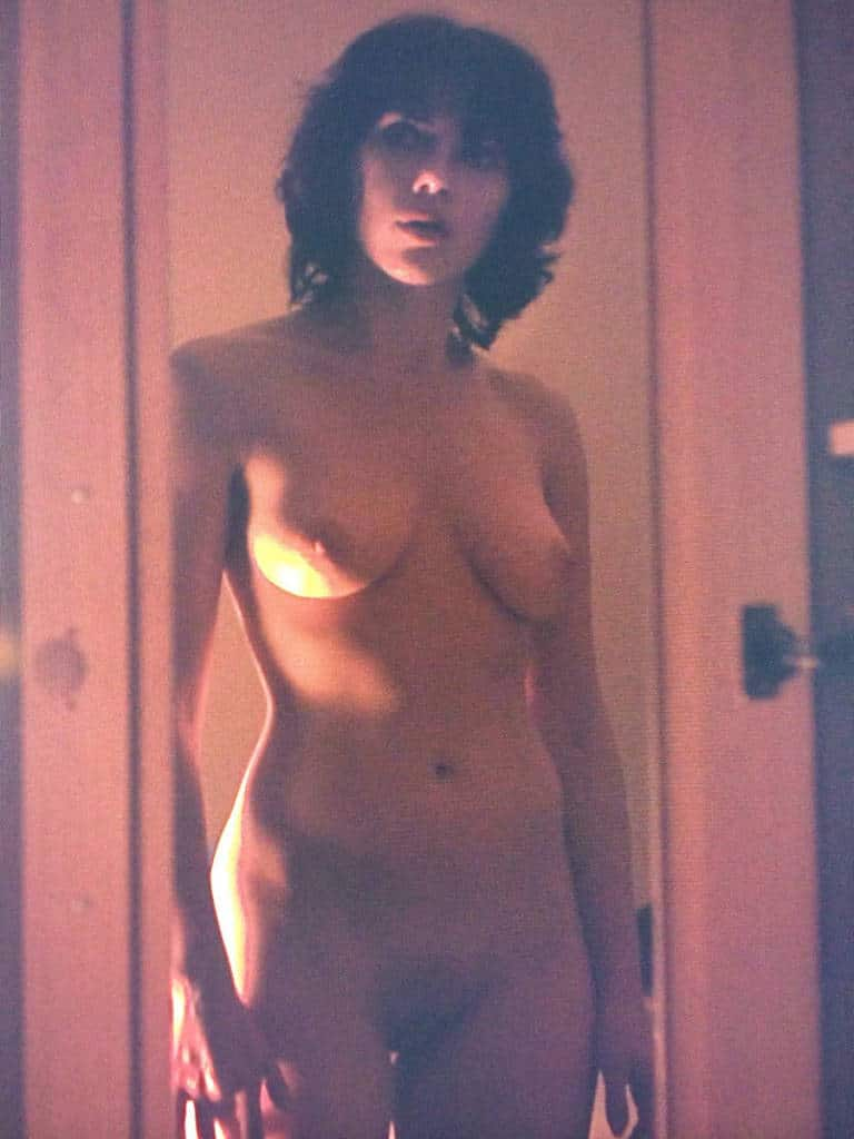 sexy scarlett johansson totally naked in movie scene pic