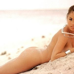 colombiana sofia vergara completely naked on beach