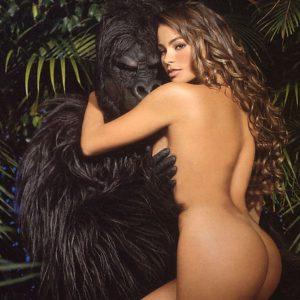 sexy sofia vergara naked hugging a gorilla