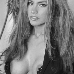 celeb sofia vergara showing off her nipples in hot pic