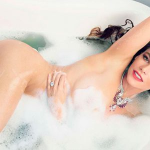 celebrity sofia vergara naked in bathtub