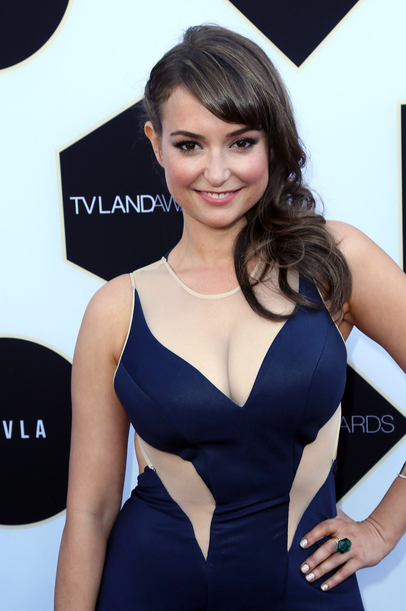 hot cleavage pic of milana vayntrub on the redcarpet