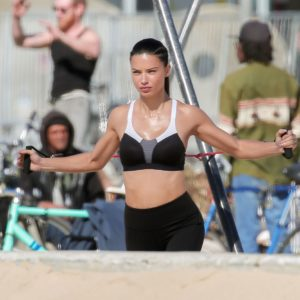 Adriana Lima | CelebrityRevealer 72