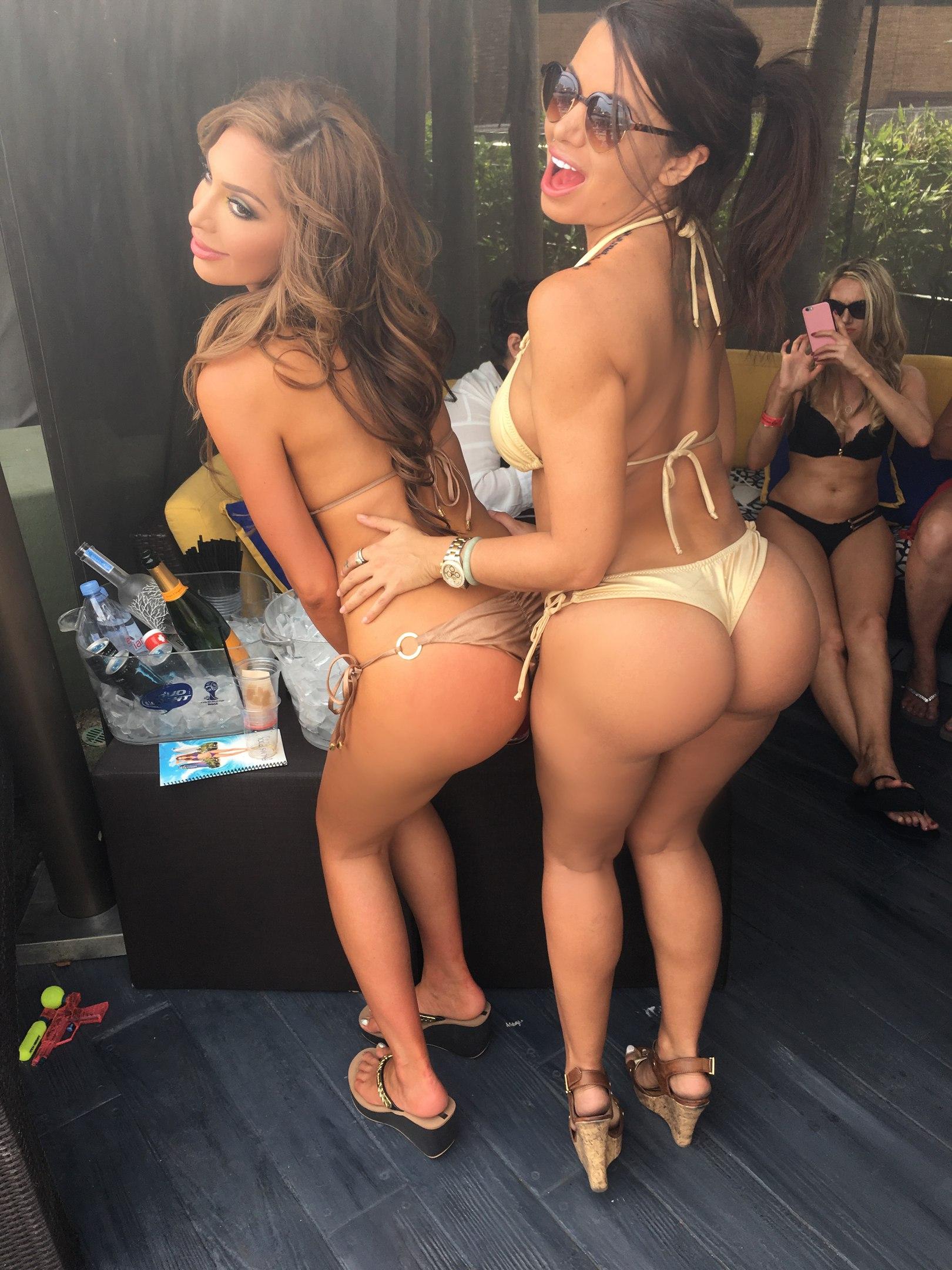 Farrah and friend asses in thongs