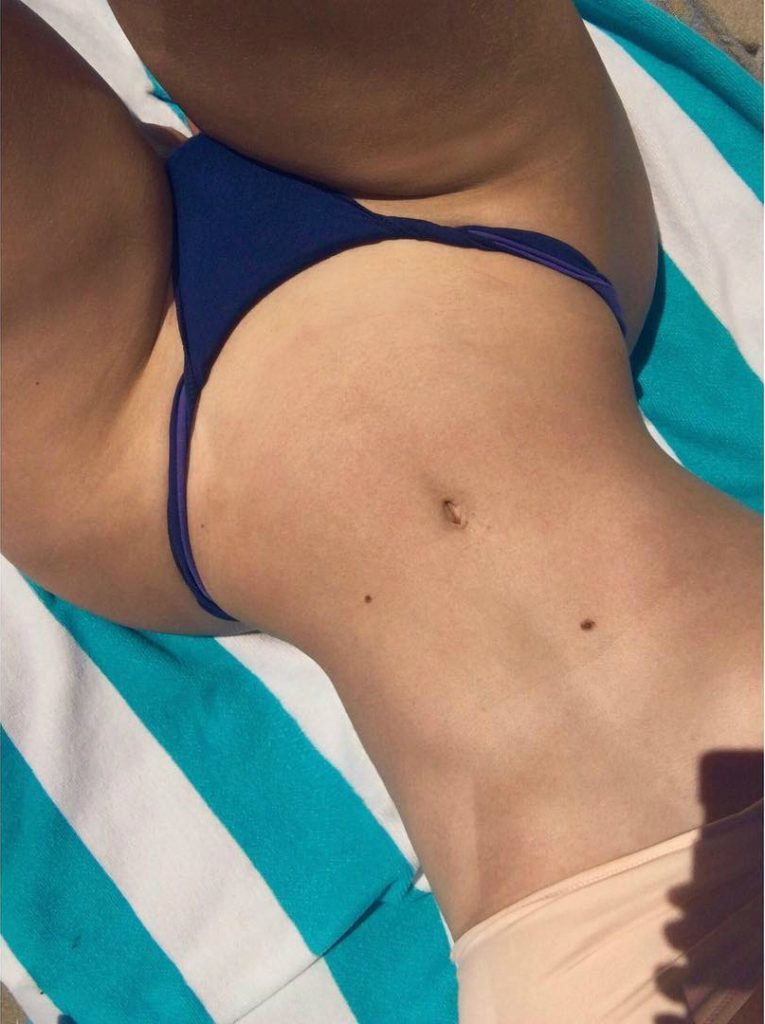 Iggy Azalea hot stomach hips