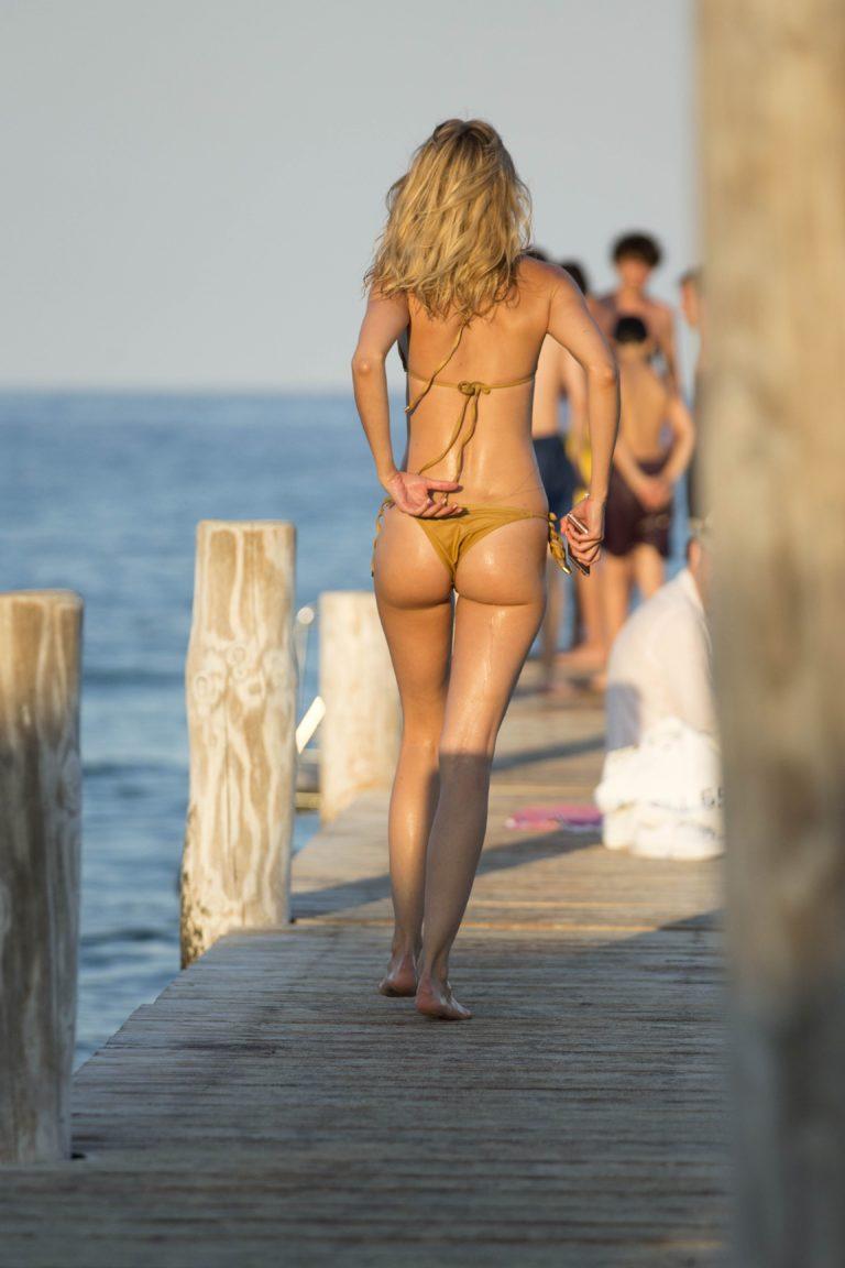 Kim Garner red bikini and perfect ass