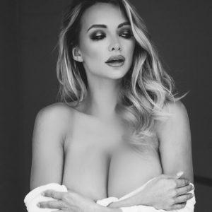 Lindsey Pelas b&w nudes