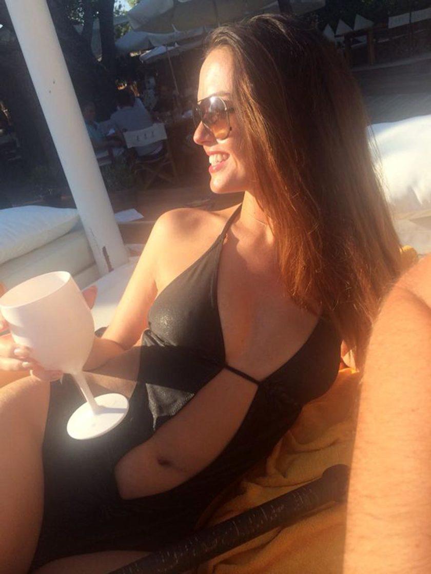 Jennifer Metcalfe boobs in bikini