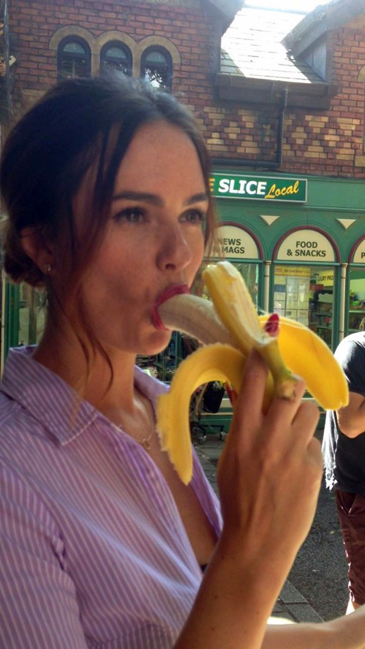 Jennifer Metcalfe blowjob