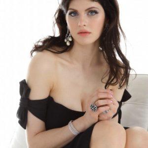 Alexandra Daddario sexy leaks
