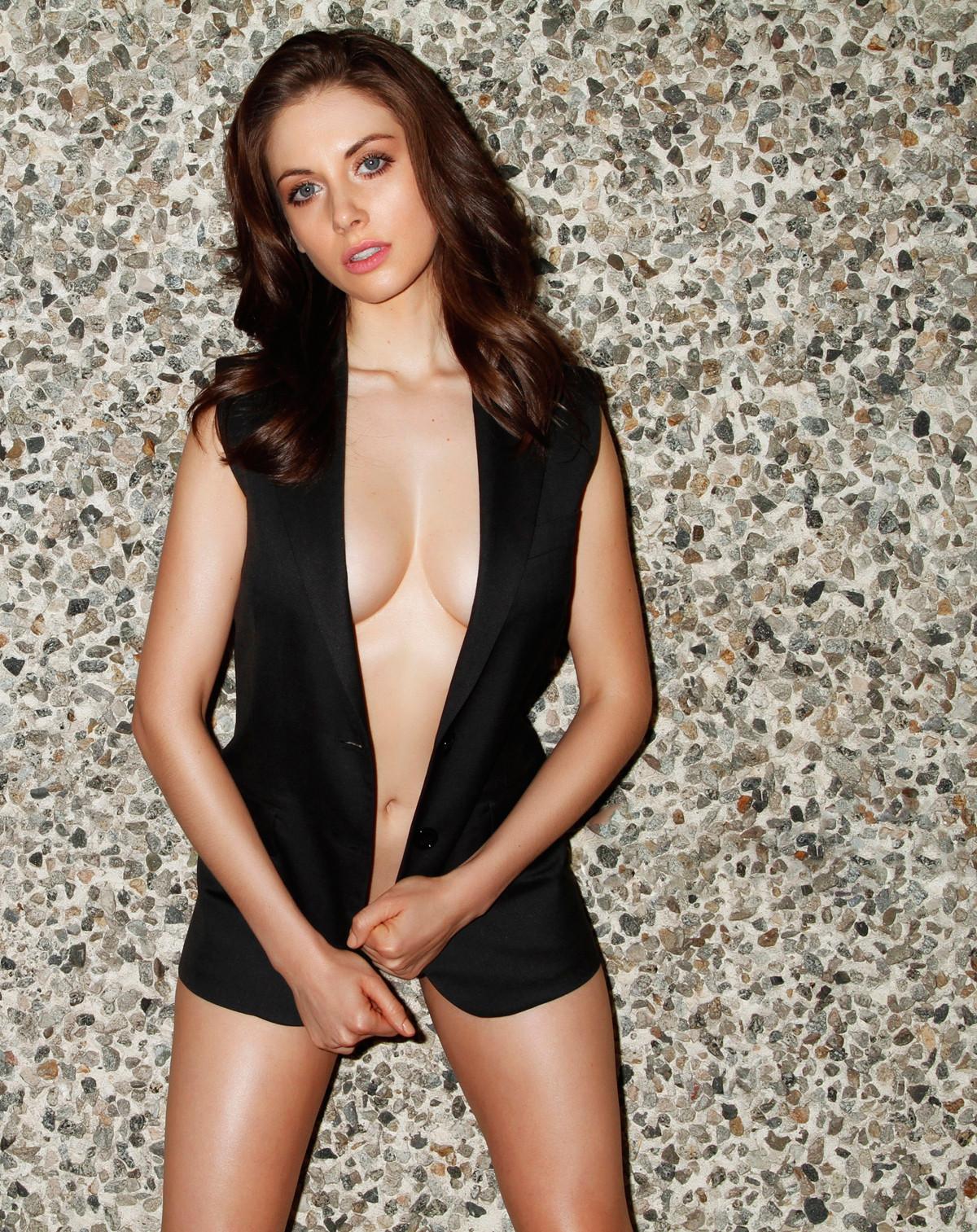 Alison Brie ass