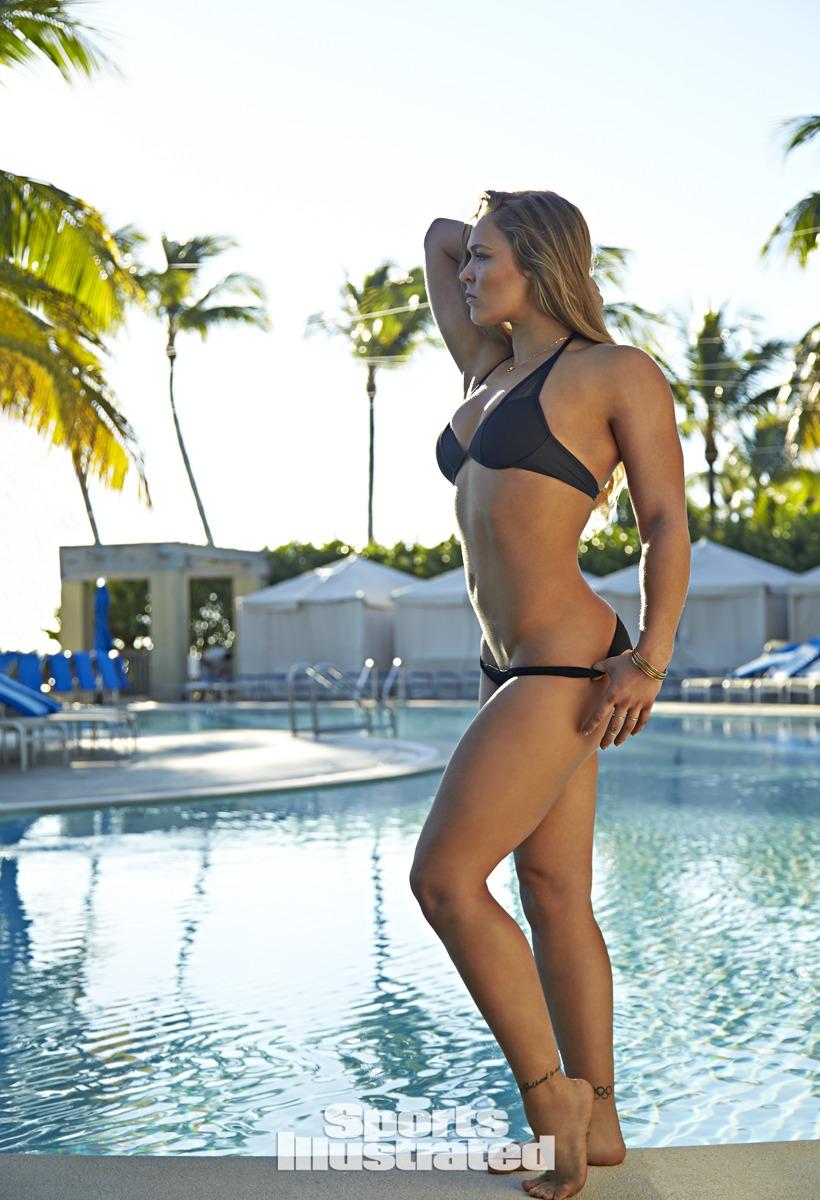 Ronda Rousey naked boobs