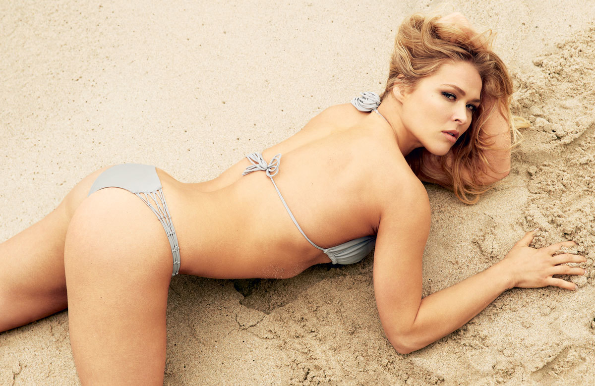 Ronda Rousey tits