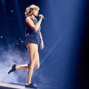Taylor Swift doggystyle