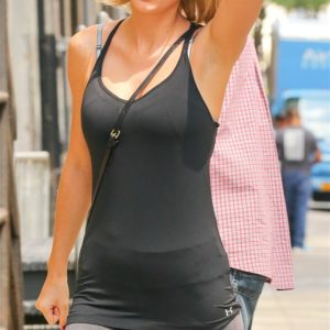 Taylor Swift pussy showing