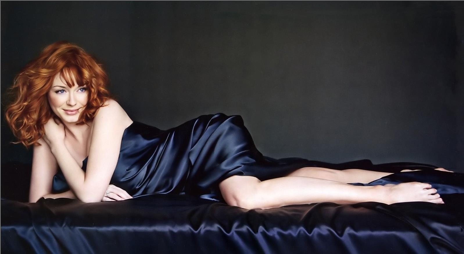 Christina Hendricks sexy naked 8430ZB.jpg