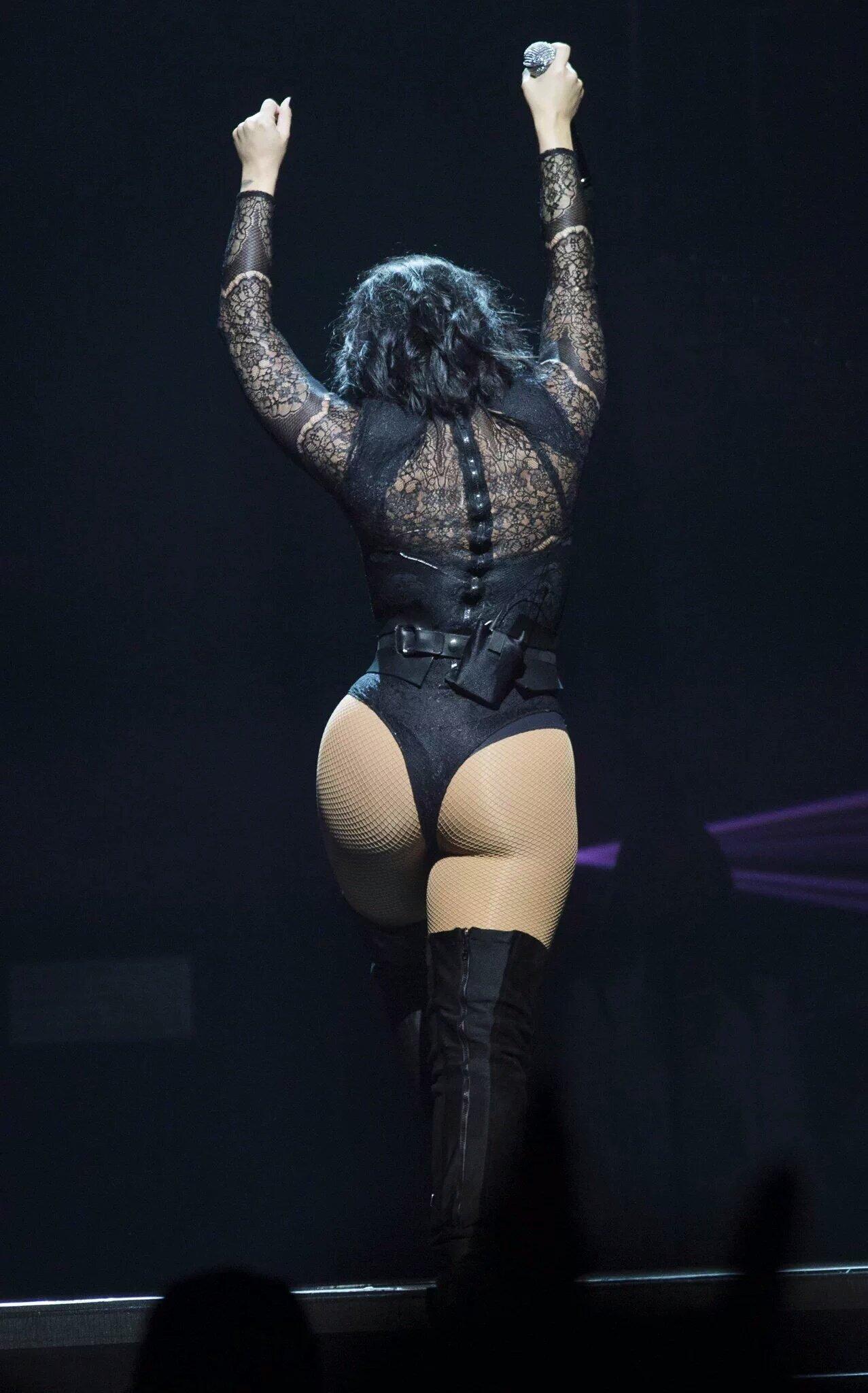 Demi Lovato vagina pic