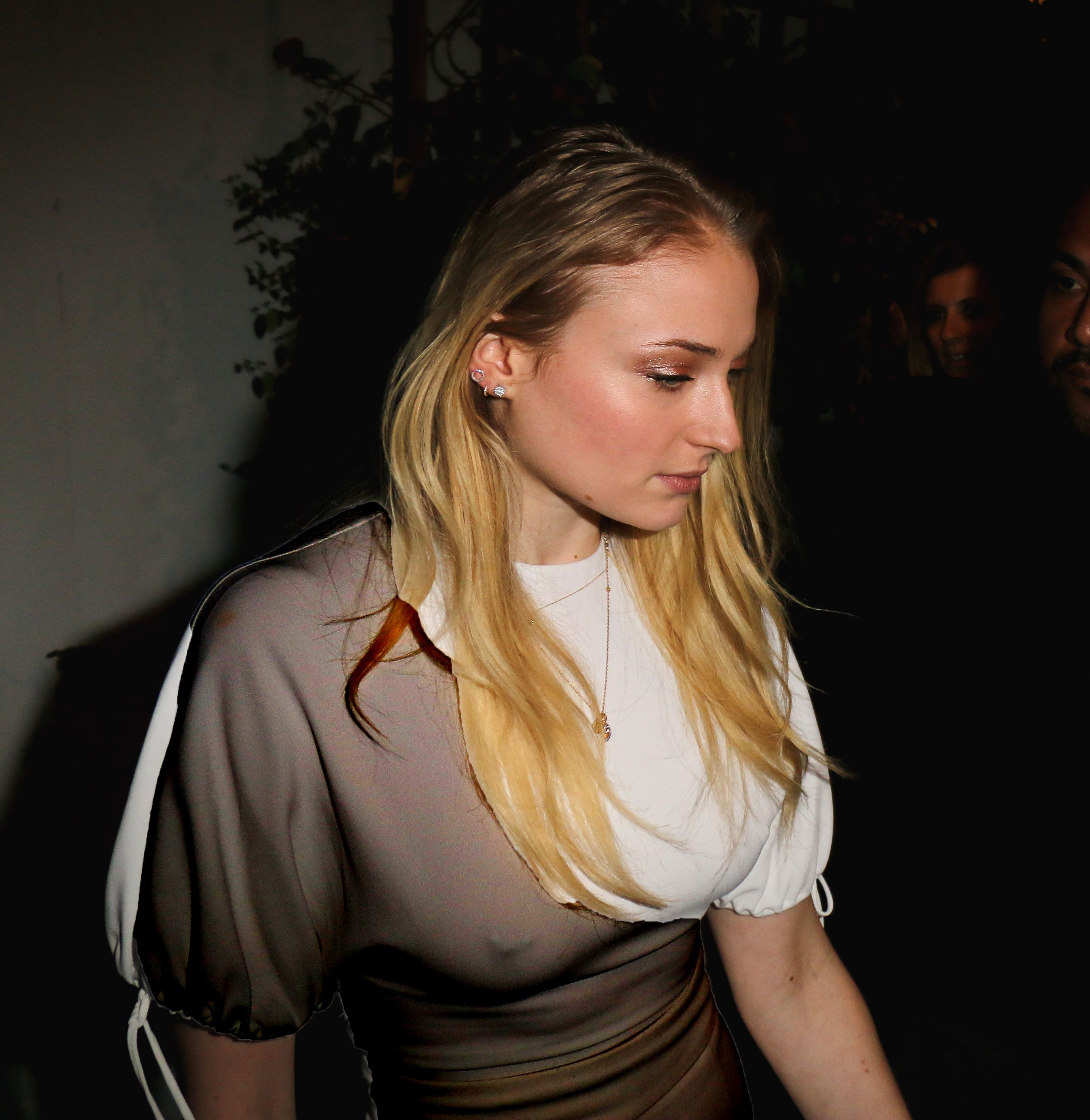 Sophie Turner boobs showing