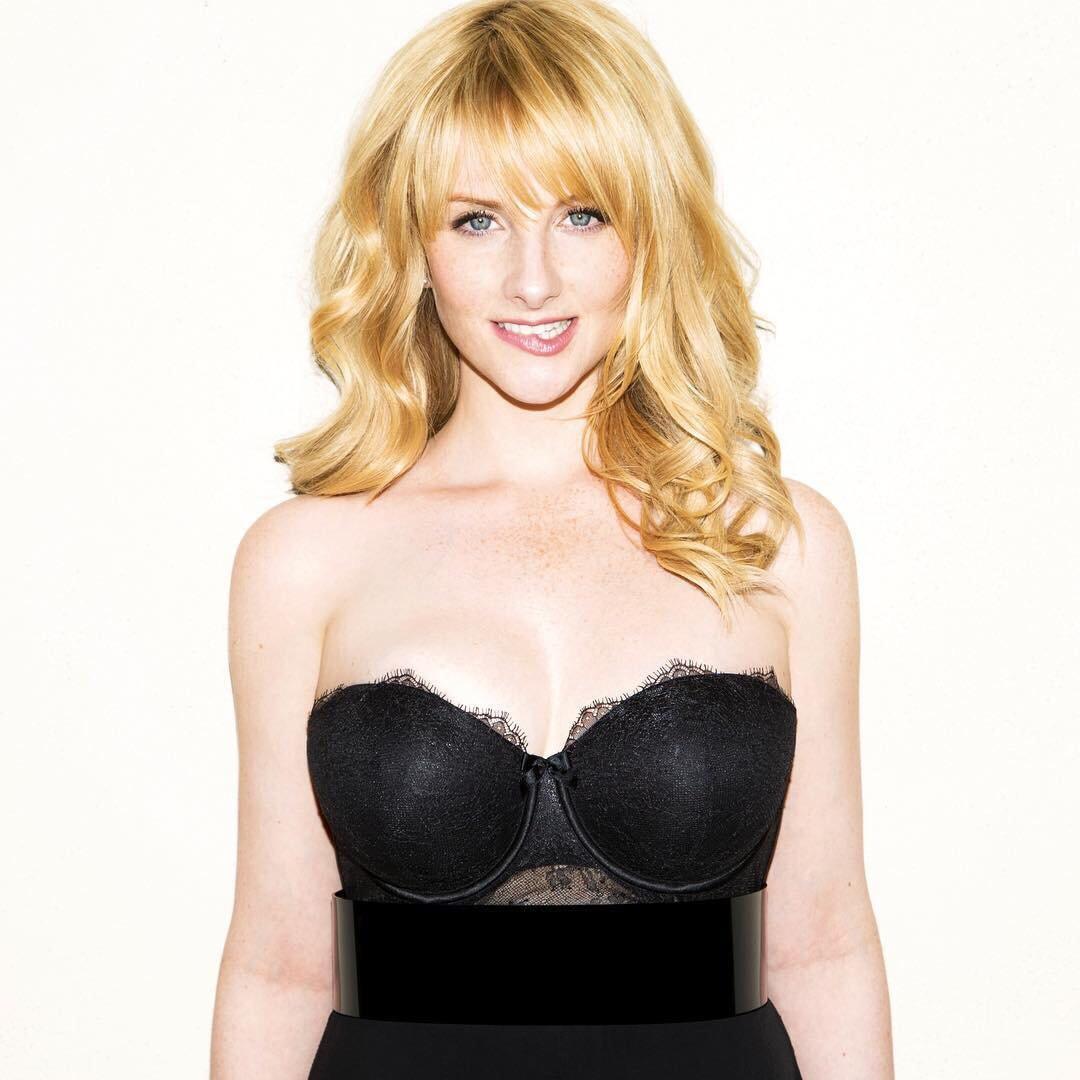 Melissa Rauch FHM cleavage